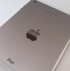iPad 刻印