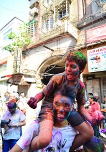 holi kolkata india 2015