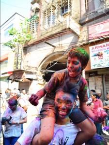 インドのホーリー祭りにて。